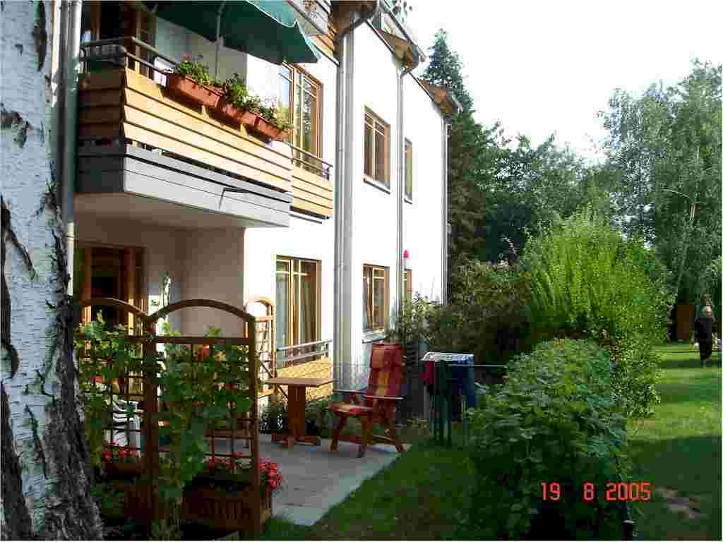 Immobilienmakler in Berlin vermietet Wohnung 81-2