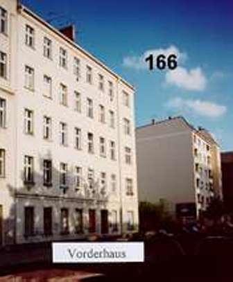 166-Makler-verkauft-Altbau-Mietshaus-in-Berlin-Friedrichshain