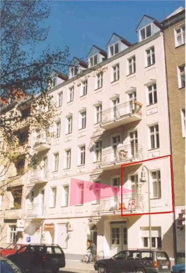 Makler in Berlin verkauft 3 Zi. Altbau in Neukölln