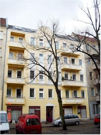 BerlinerMietshaus Warthestrasse Verkauf Makler Neukoelln