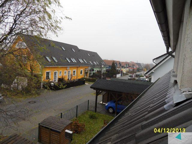 Immobilienmakler in Berlin vermietet Haus (1206_50150)