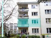 Spandauer Verkäufer empfiehlt Immobilienmakler aus Neukoelln